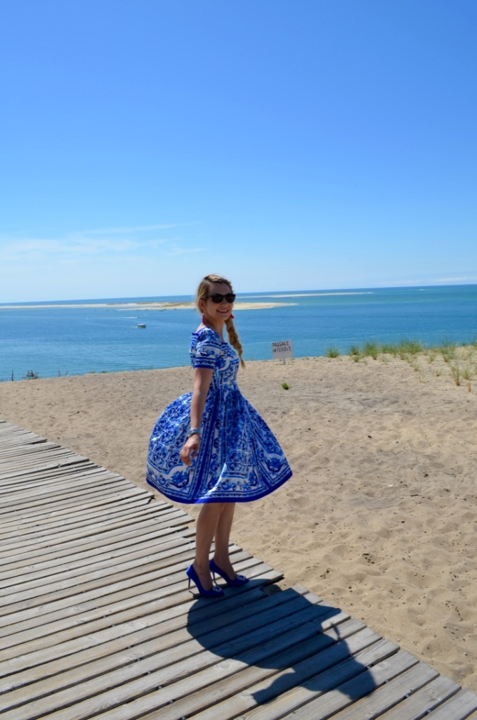 la corniche review madamedaniel dolce&gabanna blue dress