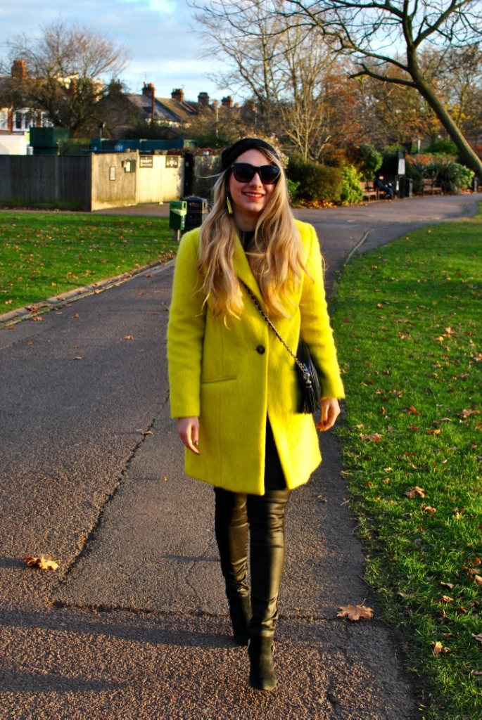 neon yellow coat manteau jaune fluo hiver madamedaniel winter yellow style