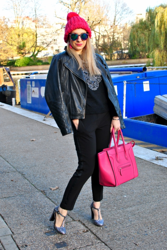 Little venice madame daniel pink beanie celine pink boston luggage pink bag pink hat french blogger