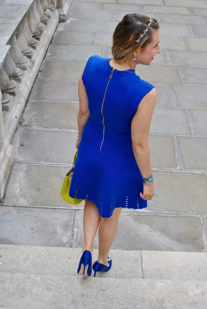 royal albert hall tea time madamedaniel avis londres bloggeuse voyage manolo bleu blue ted baker dress