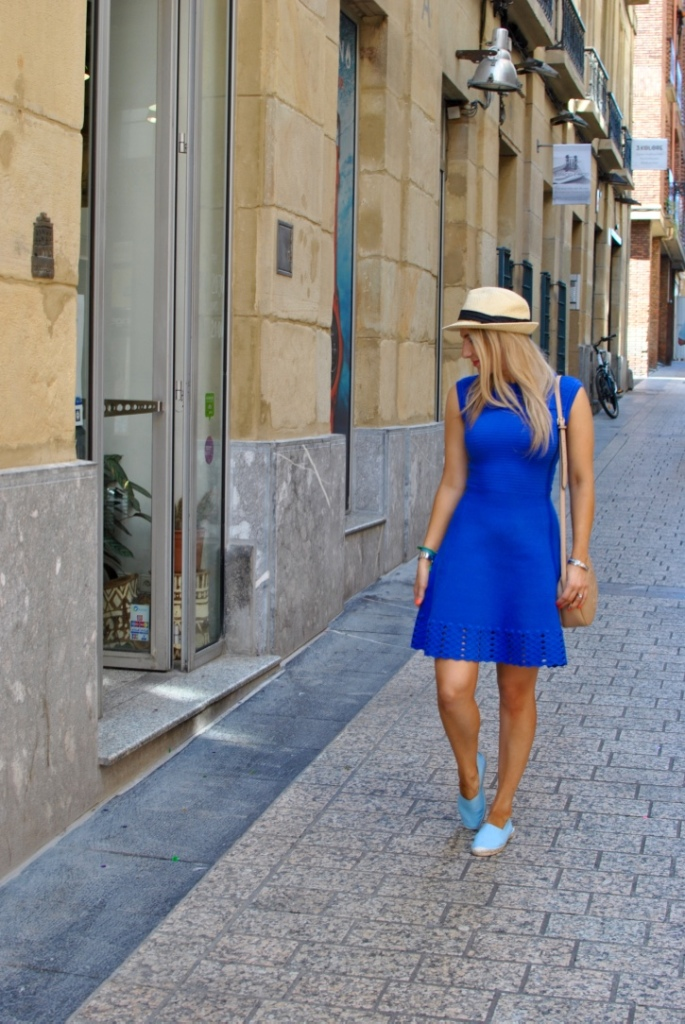 San Sebastian madamedaniel ted baker dress blue dress avis blogger bloggeuse voyage